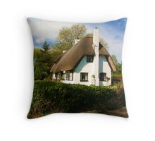 Old English Thatch Throw Pillow