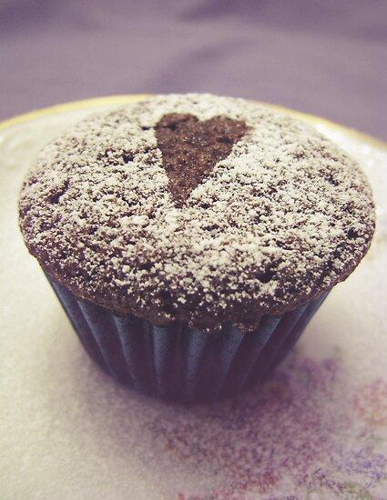 I heart cupcakes by Adriana Glackin