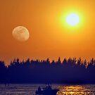 Moon meets sun by abelinc