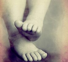 Newborn Feet by DetresArt