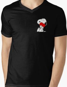 Snoopy lovely Mens V-Neck T-Shirt