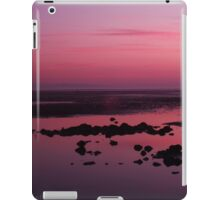 Gorgeous pink beach sunset iPad Case/Skin