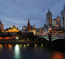 Flinders Street and Fed Square by Xavier Russo