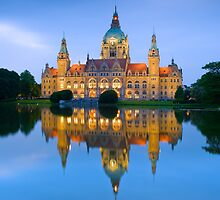 Neues Rathaus - Hannover, Germany by Yen Baet