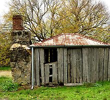 Old Settlers Hut - Summertown  SA by wotzisname