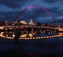 Gateshead Millennium Bridge at Night by Paul Clayton