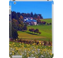 Panorama behind a sea of flowers | landscape photography iPad Case/Skin