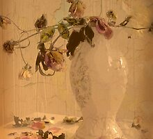 Vintage arrangement by Rosalie Dale