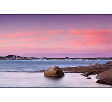 Esperance Beach by Kirk  Hille
