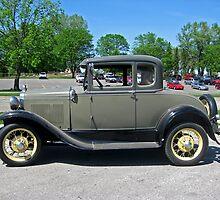 Antique Car by Linda Miller Gesualdo