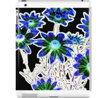 Flower pattern on black iPad Case/Skin