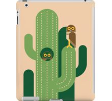 Burrowing owls and cacti vector illustration iPad Case/Skin