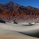 Contrasting Elements in Death Valley by MattGranz
