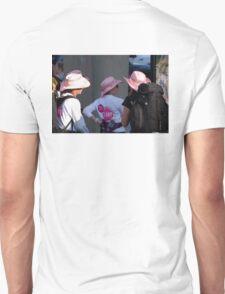 Breast cancer, everyone deserves a lifetime < Unisex T-Shirt