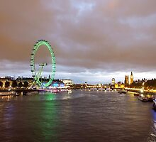London by night by Ludwig Wagner