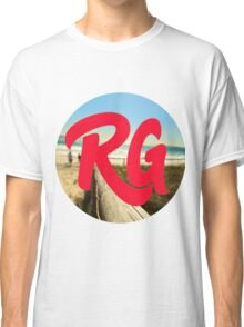 RG LOGO With Red Lettering and Beach Background  Classic T-Shirt