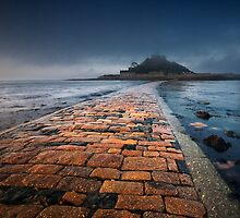 St Michaels Mount 5am fog. by Sarin