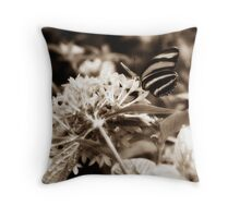 Diffused Flower 7 Throw Pillow
