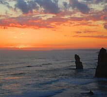 sun sets over the 12 Apostles by Sanchita  Mukherjee