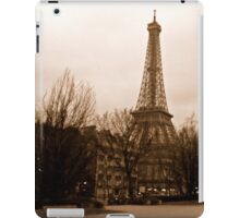 Eiffel Tower at dusk iPad Case/Skin