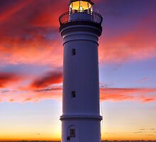 Kiama Lighthouse by Darren Stones