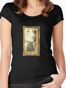 She Waits Women's Fitted Scoop T-Shirt