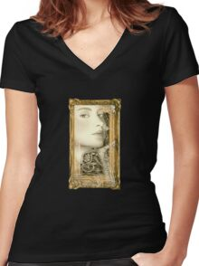 She Waits Women's Fitted V-Neck T-Shirt