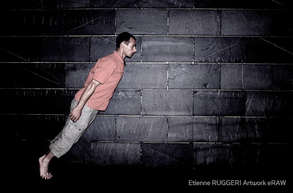 I'm falling  by Etienne RUGGERI Artwork eRAW