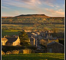 Sunset over Askrigg by Shaun Whiteman