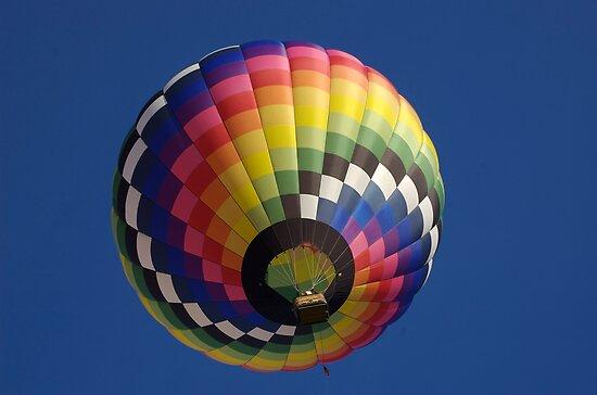 Colorful Hot air balloon by Luann wilslef