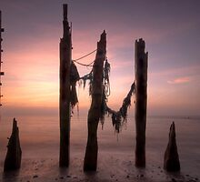 Dawn At The Spurn by SteveMG