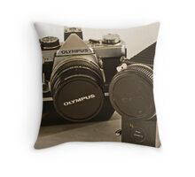 Olympus OM-2 with bellows Throw Pillow