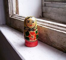dolly on the sill. by loriotndorr