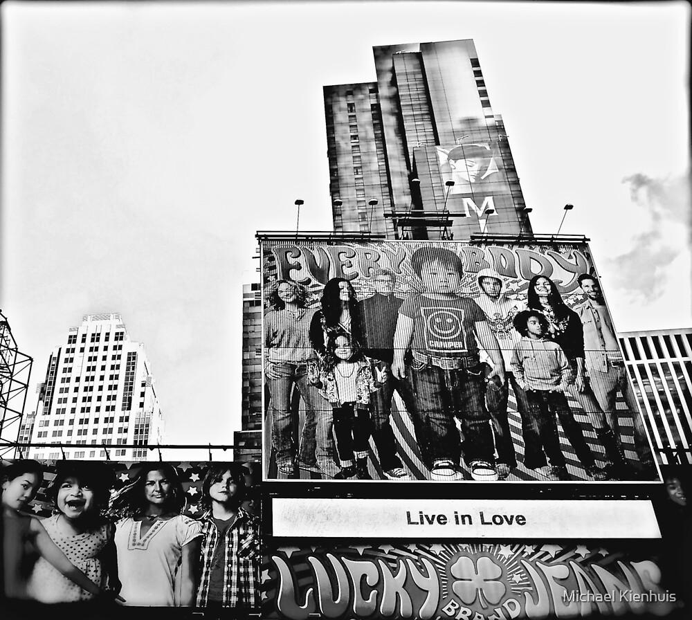 Everybody Live In Love by Michael Kienhuis
