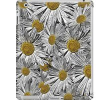 Abstract black and white daisies floral pattern iPad Case/Skin