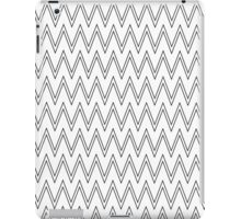 Modern simple black white chevron zigzag pattern  iPad Case/Skin