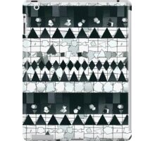 Moderm Abstract Black & White Tribal Pattern iPad Case/Skin