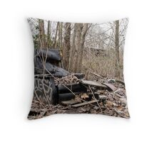 i just want to get away Throw Pillow