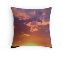 Wairarapa, Dawn Throw Pillow