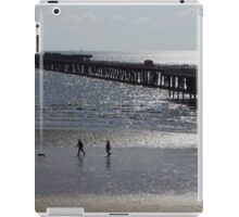 Walton-on-the-Naze Pier - A Silhouette iPad Case/Skin
