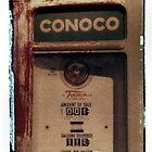 Conoco Gas Pump by snapshotjunkie