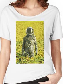 Stranded in the sunflower field Women's Relaxed Fit T-Shirt
