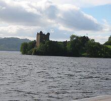 Urquhart Castle by zahnartz
