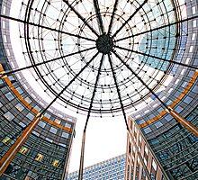 La Defense Circle by Victor Pugatschew