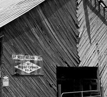 Royal Crown Barn by lennieslights