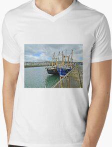 Howth harbour Mens V-Neck T-Shirt