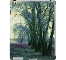 Line of Weeping Willow Trees iPad Case/Skin