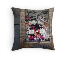 Lille graffiti Throw Pillow