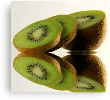 Kiwi reflection Canvas Print