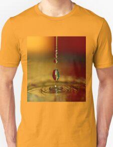 A chain of drop series. T-Shirt